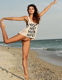 Lorian nude in erotic LAJEI gallery - MetArt.com