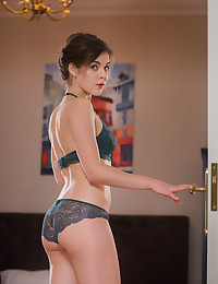 Dakota A nude in glamour ORMIA gallery - MetArt.com