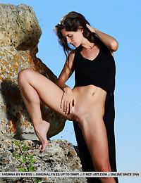 Yasmina naked in erotic DEWA gallery - MetArt.com