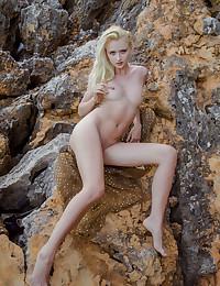 Nika N naked in glamour SHANDU gallery - MetArt.com
