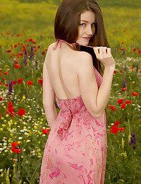 Emily Bloom nude in glamour GRIMAS gallery - MetArt.com