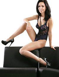 Helen H bare in erotic MONO gallery - MetArt.com